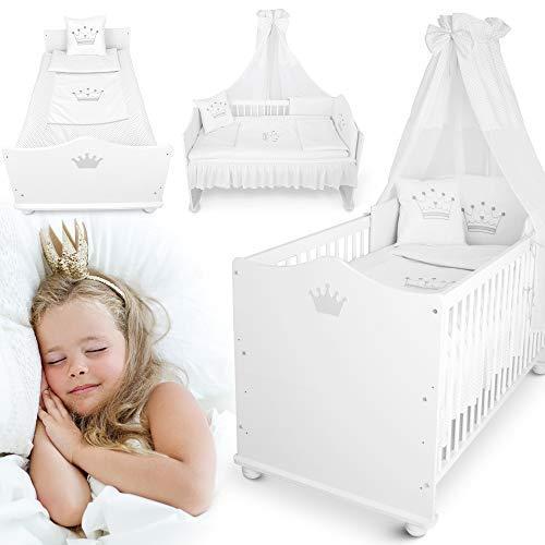 Traumhaftes weißes Babybett umbaubar – vom 70x140 cm Babybett zum Juniorbett umbaubar – mit Matratze, Bettwäsche, Himmel, Nestchen Premium Kinderbett