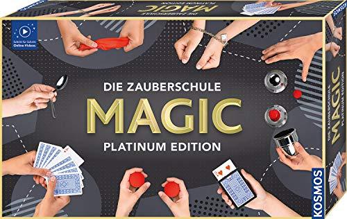 KOSMOS 697082 Die Zauberschule MAGIC Platinum Edition, 180 ZauberTricks, viele magische ZauberUtensilien, Zauberkasten für Kinder ab 8 Jahre, bebilderte Anleitung, OnlineErklärVideos. für alle...